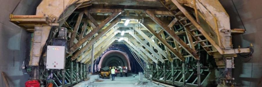 tunel-zaba-slide